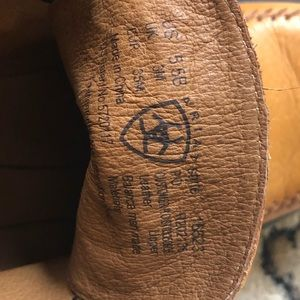 Ariat Shoes - NWOT ARIAT Low Ankle Boot, Leather, Moc Stitch 5.5